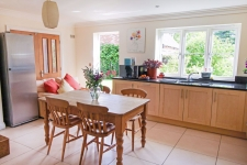 4 bed property to rent in Blandford Forum