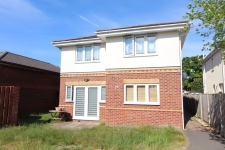 2 bed property to rent in Oakdale