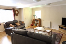 2 bed property to rent in Pimperne