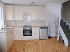 3 bed property to rent in East Street