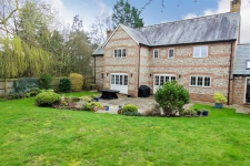 4 bed property to rent in Child Okeford