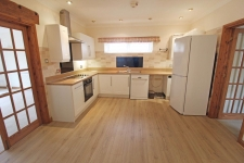 2 bed property to rent in Cann