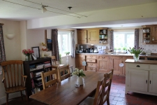 4 bed property to rent in Iwerne Minster