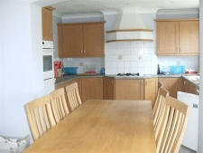 4 bed property to rent in Henstridge