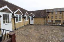 2 bed property to rent in Milborne Port