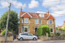 4 bed property to rent in Sherborne
