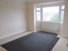 2 bed property to rent in Weymouth