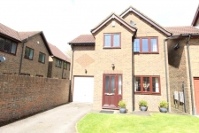 3 bed property to rent in Corfe Mullen