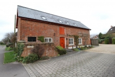 3 bed property to rent in Sturminster Marshall