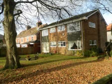 1 bed property to rent in Broadstone