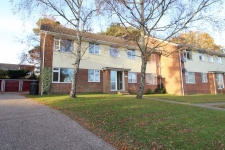 2 bed property to rent in Corfe Mullen