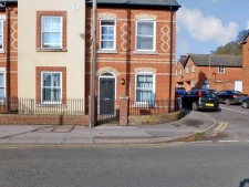 2 bed property for sale in 8 Salisbury Road