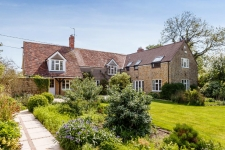 5 bed property for sale in Gillingham Dorset