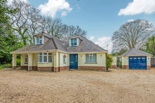 4 bed property to rent in Ferndown