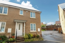 3 bed property to rent in Yeovil