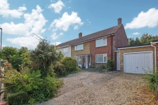 3 bed property to rent in Dorchester